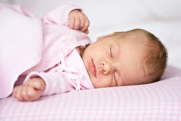 Pozicionet me te mira per foshnjen ne gjume